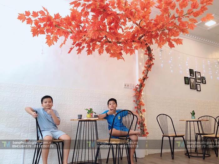 ban-ghe-cafe